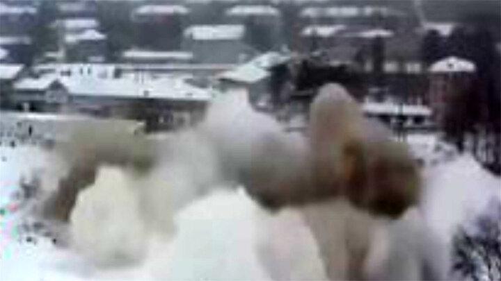 لحظه وحشتناک تخریب یک برج در روسیه/ فیلم