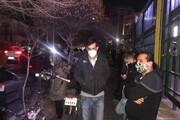 تجمع پرسپولیسیها مقابل منزل مرحوم مهرداد میناوند/ فیلم