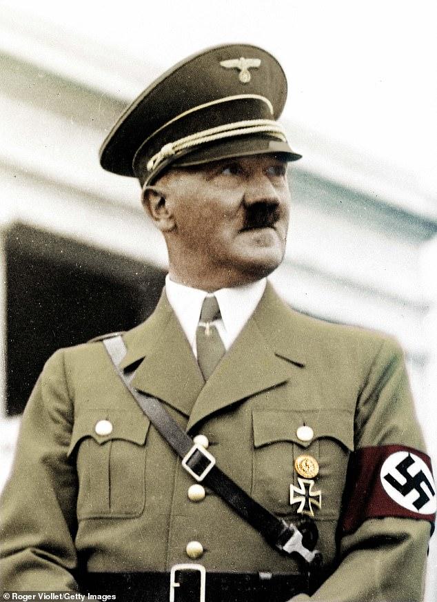 فروش توالت فرنگی هیتلر در یک حراجی / تصاویر