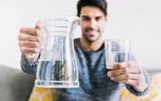 ۱۰ خاصیت شگفتانگیز نوشیدن آب با معده خالی