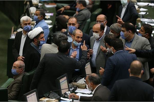 وعده بزرگ نمایندگان انقلابی فعلا متوقف در ایستگاه بهارستان
