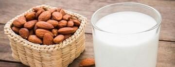 خواص فراوان شیر بادام برای کودکان | از چه سنی میتوان به کودکان شیر بادام داد؟