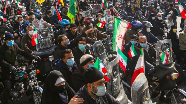 توهین عجیب به رییس جمهور در راهپیمایی ۲۲بهمن در اصفهان/ فیلم