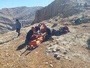 مصدومیت دو جوان شیرازی بر اثر سقوط از کوه سرخ