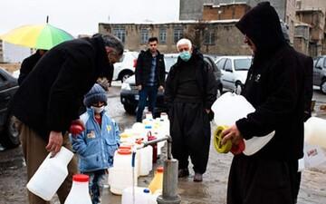 صفکشی در سنندج برای تهیه آب!/ تصاویر