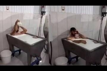 محکومیت دو کارگر شرکت لبنیاتی به ۱۵ سال زندان به اتهام حمام کردن در وان شیر/ فیلم
