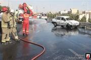 برخورد دو پراید با گارد ریل در بزرگراه میرزاکوچک خان اصفهان/ فیلم