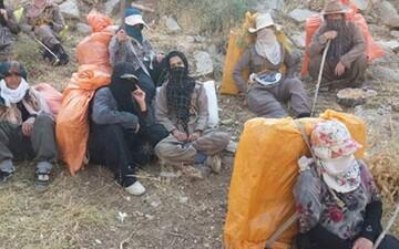 گزارشی تکان دهنده از مصائب زنان کولبر در ارتفاعات کردستان