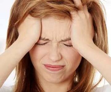 علت و علائم سرگیجه های ناگهانی چیست؟ | درمان سرگیجه های ناگهانی با چند روش ساده خانگی