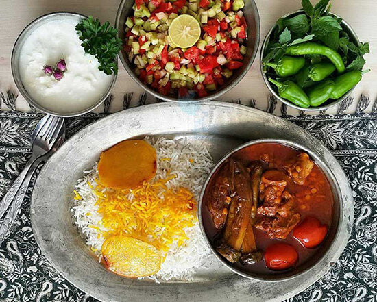 دستور پخت خورشت بادمجان؛ غذایی خوشمزه و سنتی
