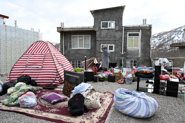 میزان وام دولت به زلزلهزدگان سیسخت اعلام شد