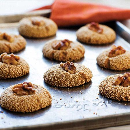 نحوه درست کردن شیرینی گردویی برای سفره عید نوروز + مواد لازم