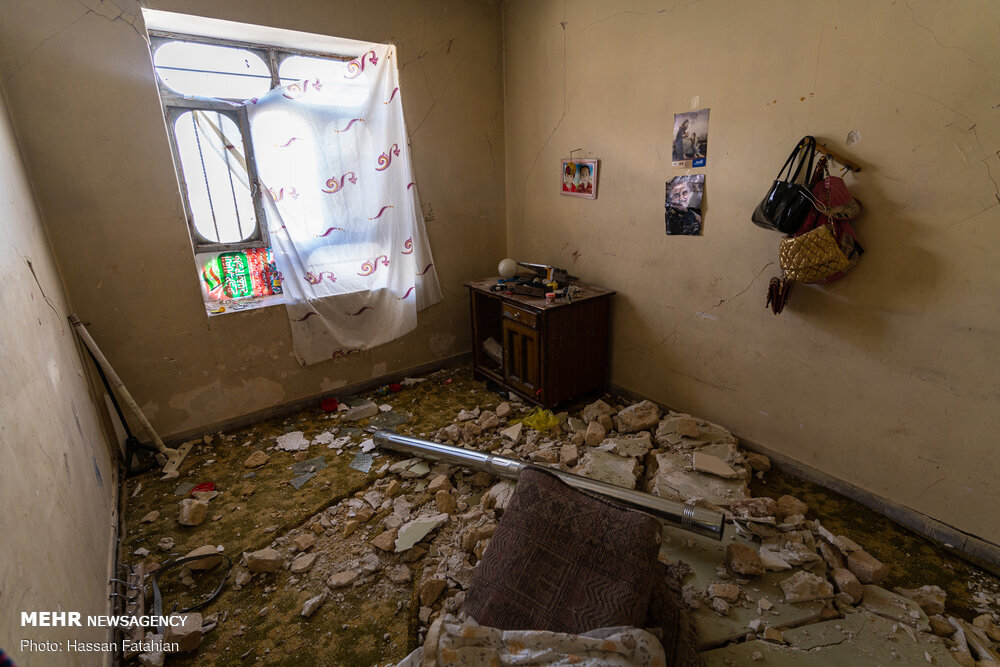 شهر زلزله زده سی سخت ۶ روز بعد از زلزله