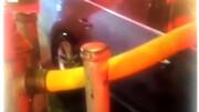 اقدام عجیب آتشنشانان در مقابل راننده متخلف / فیلم