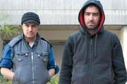 خاطره جواد عزتی از هم مدرسه ای بودن با شهاب حسینی در محله هاشمی / فیلم
