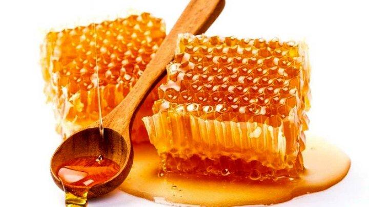 خواص باورنکردنی مصرف عسل پیش از خواب | درمان سرفه و تقویت سیستم ایمنی بدن با عسل