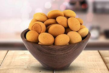 نحوه درست کردن شیرینی حاجی بادام یزدی برای سفره عید نوروز + مواد لازم