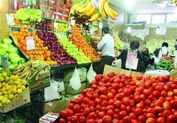 تقاضای مردم برای خرید میوه کاهش یافته است