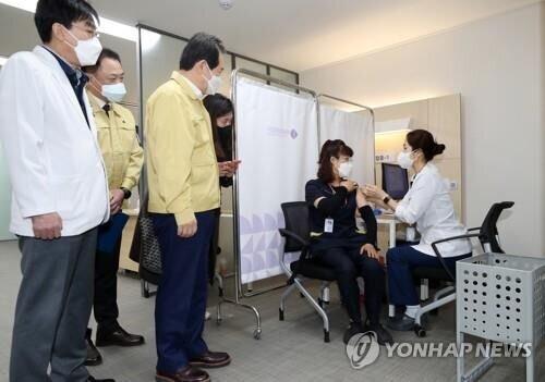 کره جنوبی واکسیناسیون کرونا را آغاز کرد