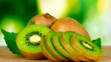 کاهش خطرات مواد سمی سیگار در بدن با مصرف این میوه