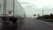 اقدام خطرناک راننده کامیون در اتوبان امام علی (ع) / فیلم