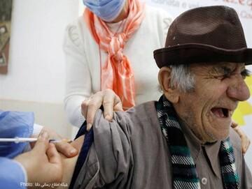 واکنش بامزه افراد هنگام واکسن زدن / تصاویر