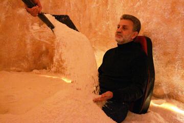 درمان بیماریها با نمک درمانی در لبنان / تصاویر