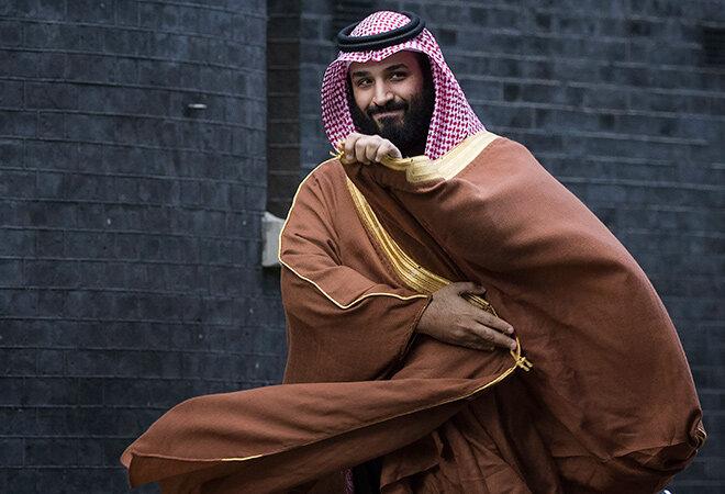 حرکات عجیب ولیعهد عربستان در مصاحبه تلویزیونی / فیلم