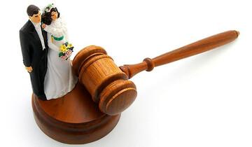 طلاق همسر به دلیل عکس انداختن از غذا