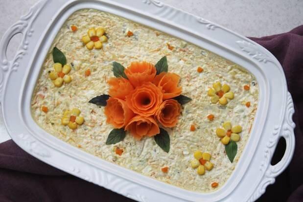 طرز تهیه سالاد الویه مجلسی و ۲۰ نکته طلایی برای خوشمزه شدن آن