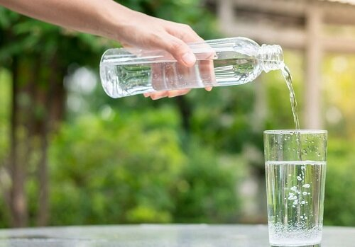 فواید خوردنِ ۸ لیوان آب در روز