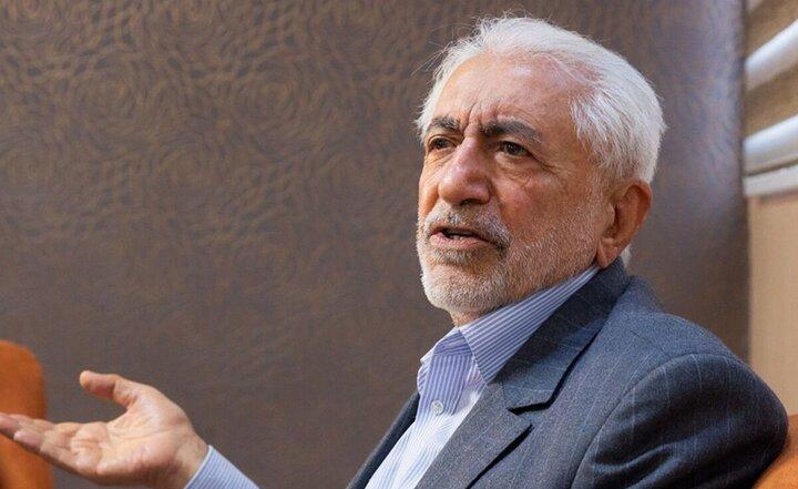 احمدینژاد را احزاب و گروههای سیاسی راهی پاستور کردند / دولت باید به مردم امتیاز دهد نه اینکه از مردم امتیاز بخواهد