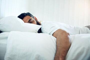 کدام حالت خوابیدن موجب چروک شدن پوست میشود؟