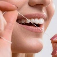 فواید مهم کشیدن نخ دندان قبل از مسواکزدن