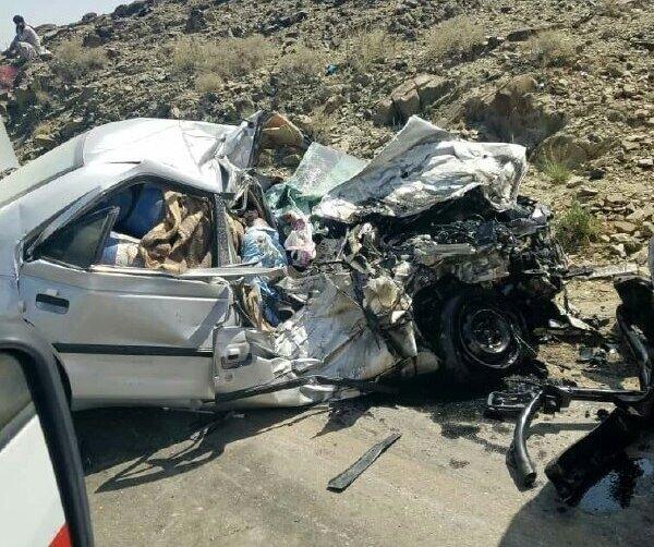تصادف وحشتناک پژو با عابر پیاده با ۴ کشته و زخمی/ عکس
