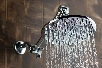 ۸ اشتباهی که هنگام دوش گرفتن انجام میدهید