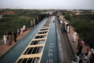 خروج قطار مسافربری از ریل در پاکستان