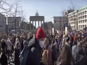 تظاهرات زنان آلمانی به مناسبت روز جهانی زن