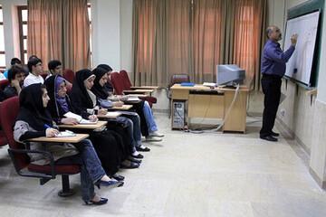 واکنش وزارت علوم به مهاجرت ۹۰۰ استاد از ایران: استادان مشکل معیشتی و اقتصادی شدیدی دارند