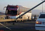 تصادف اتوبوس مسافربری در گردنه حیران؛ ۱۵ نفر مصدوم