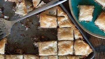 نحوه درست کردن باقلوا شکلات و نارگیل برای سفره عید نوروز + مواد لازم