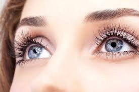 استفاده از لنز برای چشم ضرر دارد؟