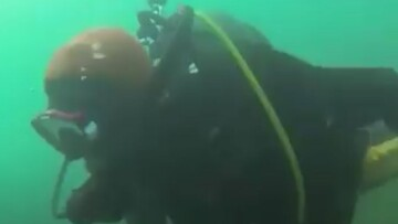 غواصی که برای پیدا کردن همسرش ده سال در اعماق اقیانوس شنا کرد/ فیلم