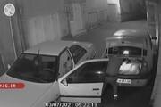 لحظه سرقت ۱۰ کیسه برنج از صندوق عقب اتومبیل/ فیلم