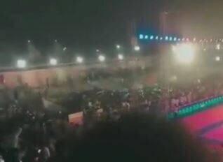 ریزش جایگاه تماشاگران در مسابقات کبدی!/ فیلم