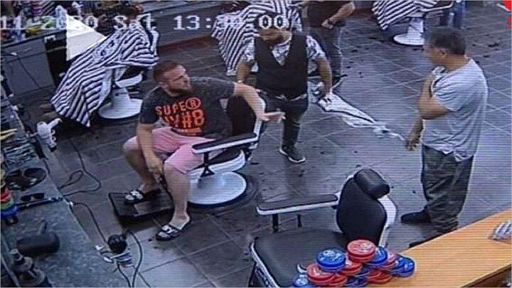 درگیری شدید دو مشتری بر سر نوبت آرایشگاه /فیلم