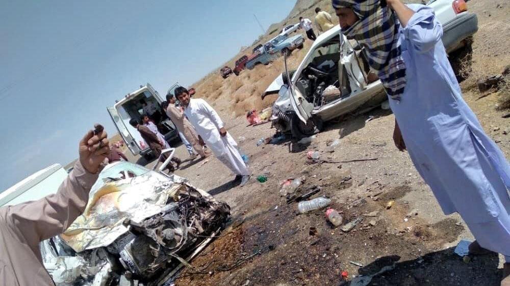 عکسی دلخراش از تصادف امروز زاهدان که منجر به کشته شدن ۸ کودک شد