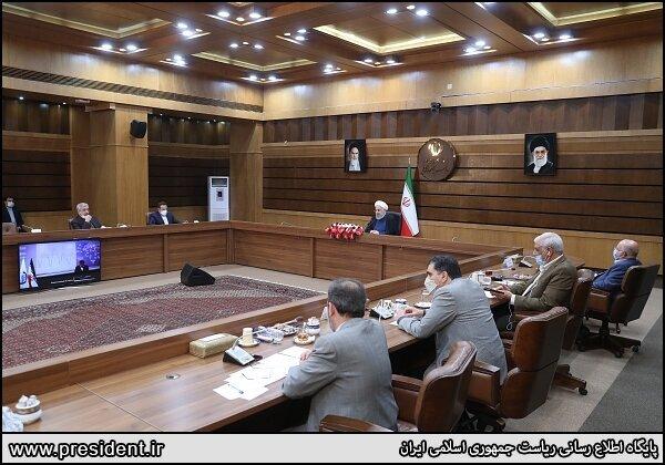 روحانی: صادرکننده گازوییل و بنزین هستیم
