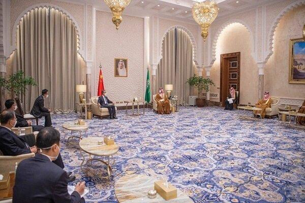 وزیر خارجه چین با بنسلمان دیدار کرد