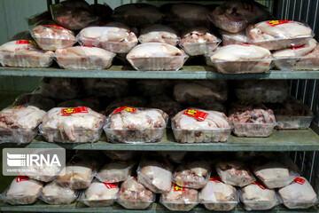 ۲ هزار و ۴۰۰ کیلو مرغ احتکاری در کهریزک کشف شد